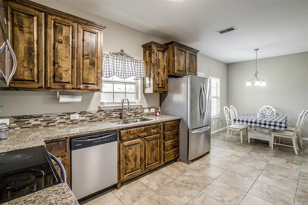 500 Links Drive, Godley, Texas 76044 - acquisto real estate best new home sales realtor linda miller executor real estate