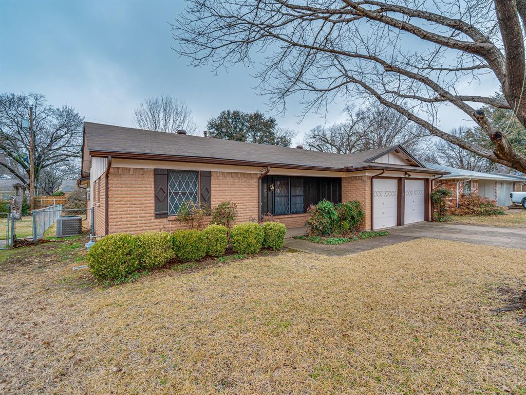 1101 Patricia Street, Irving, Texas 75060 - acquisto real estate best prosper realtor susan cancemi windfarms realtor