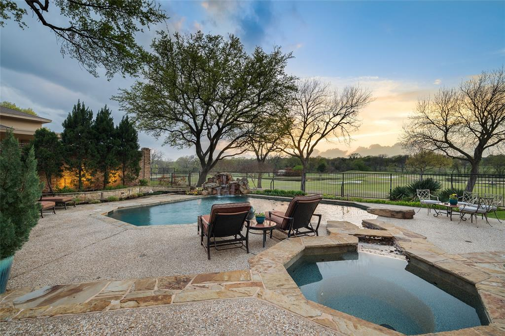 2405 Colonial Drive, Plano, Texas 75093 - acquisto real estate best plano real estate agent mike shepherd