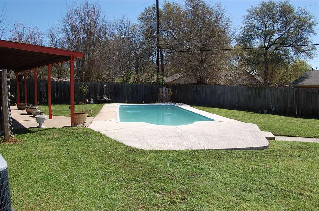 1211 Cindy Lane, Cleburne, Texas 76033 - acquisto real estate best frisco real estate broker in texas for high net worth buyers