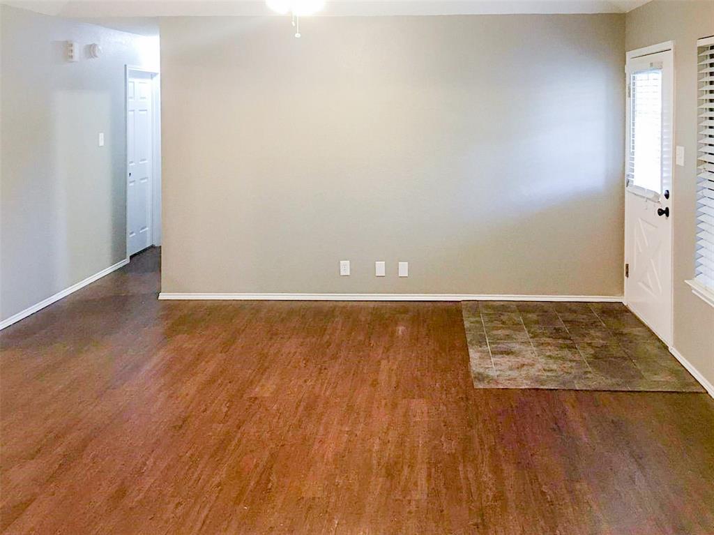 212 Brook Circle, Krum, Texas 76249 - acquisto real estate best prosper realtor susan cancemi windfarms realtor