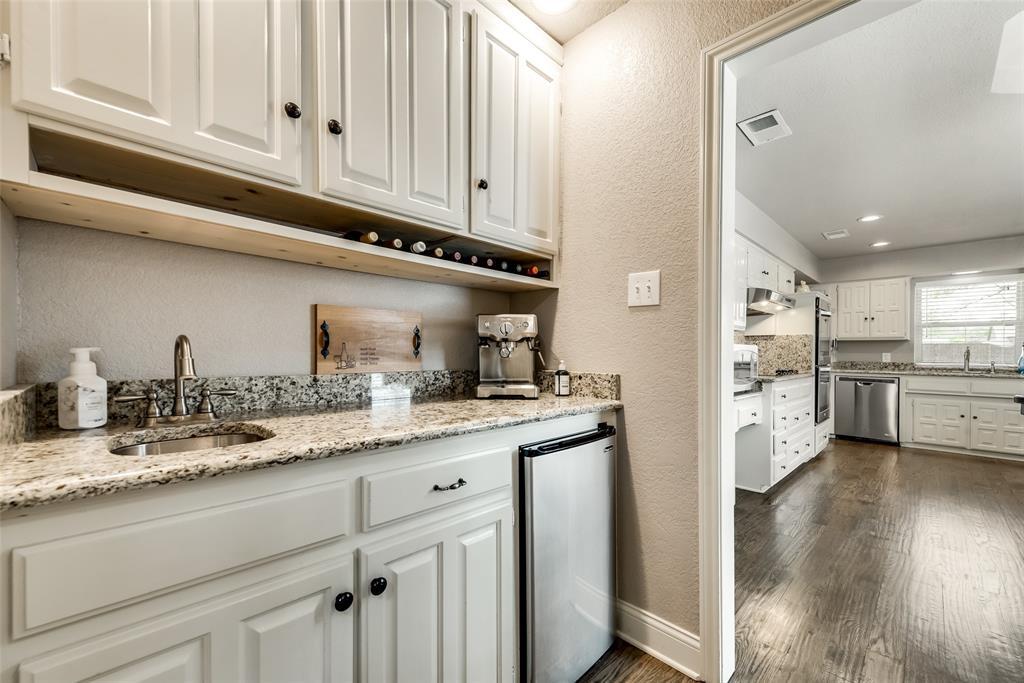 1100 Yorkshire  Drive, Carrollton, Texas 75007 - acquisto real estate best designer and realtor hannah ewing kind realtor