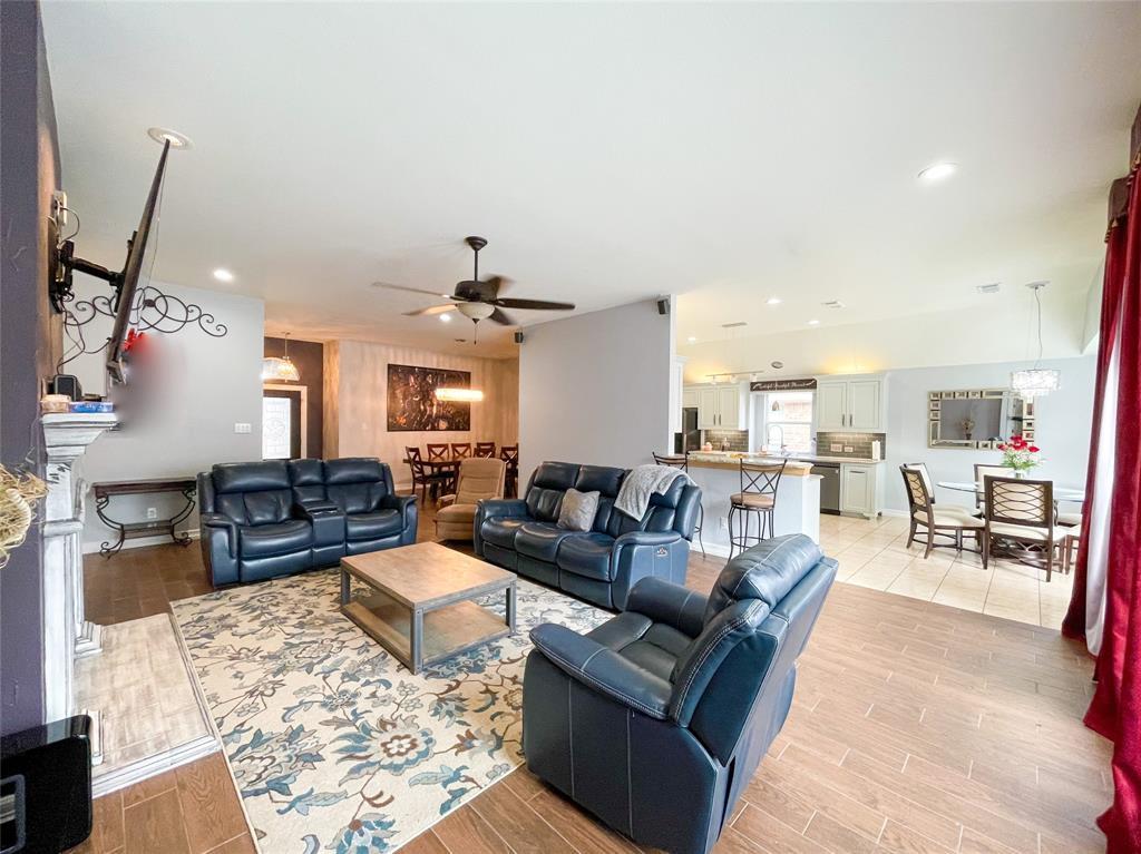 8633 Deepwood Lane, Fort Worth, Texas 76123 - acquisto real estate best celina realtor logan lawrence best dressed realtor