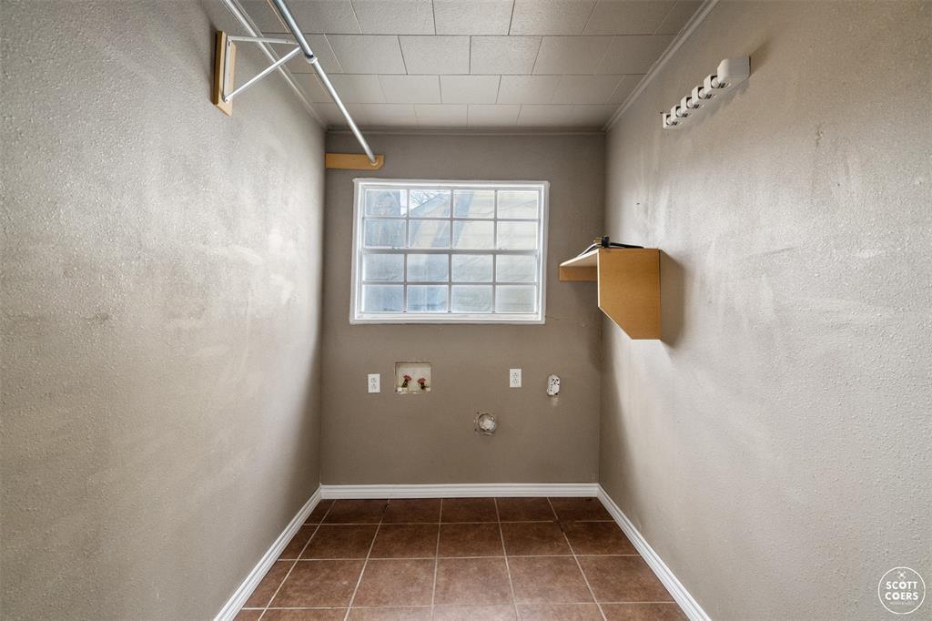 2313 1st  Street, Brownwood, Texas 76801 - acquisto real estate best realtor foreclosure real estate mike shepeherd walnut grove realtor