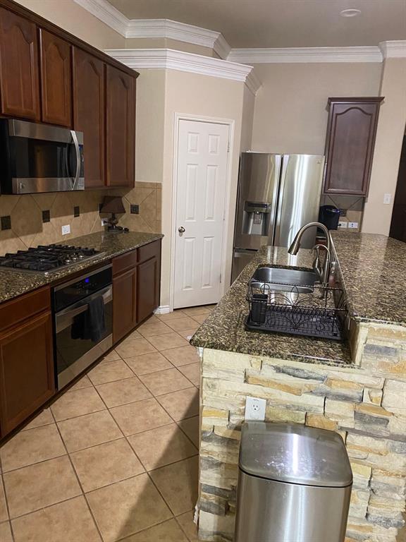 2207 Clark Trail, Grand Prairie, Texas 75052 - acquisto real estate best prosper realtor susan cancemi windfarms realtor