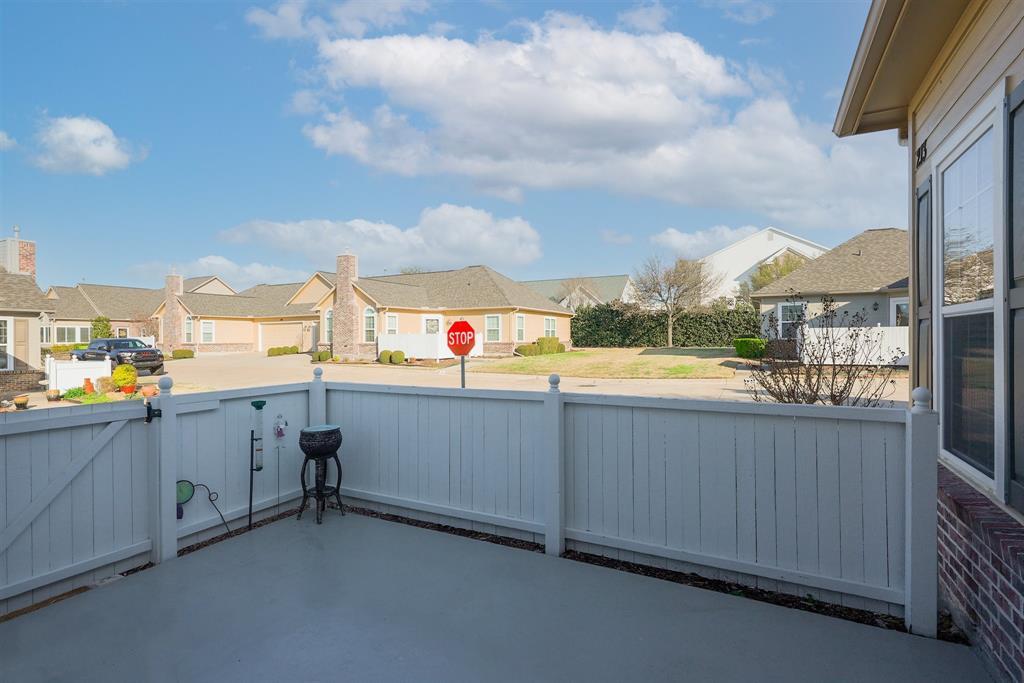 2601 Marsh Lane, Plano, Texas 75093 - acquisto real estate best the colony realtor linda miller the bridges real estate