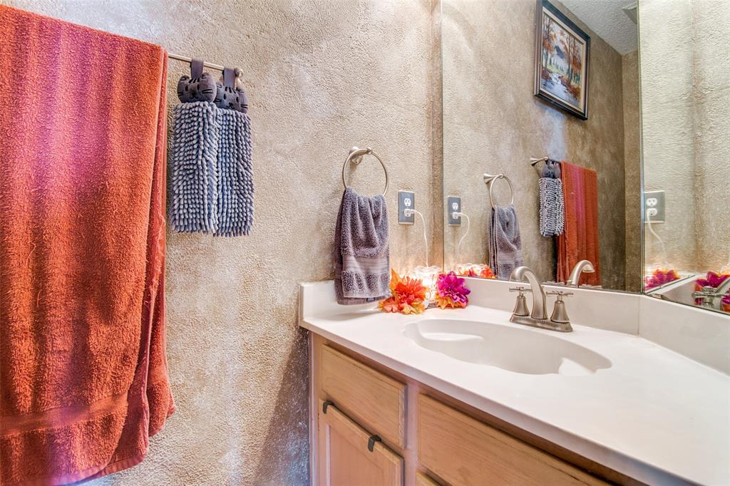 6109 Iris Drive, Rowlett, Texas 75089 - acquisto real estate best plano real estate agent mike shepherd