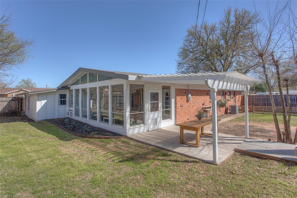 2700 Fuller Avenue, Fort Worth, Texas 76133 - acquisto real estate mvp award real estate logan lawrence