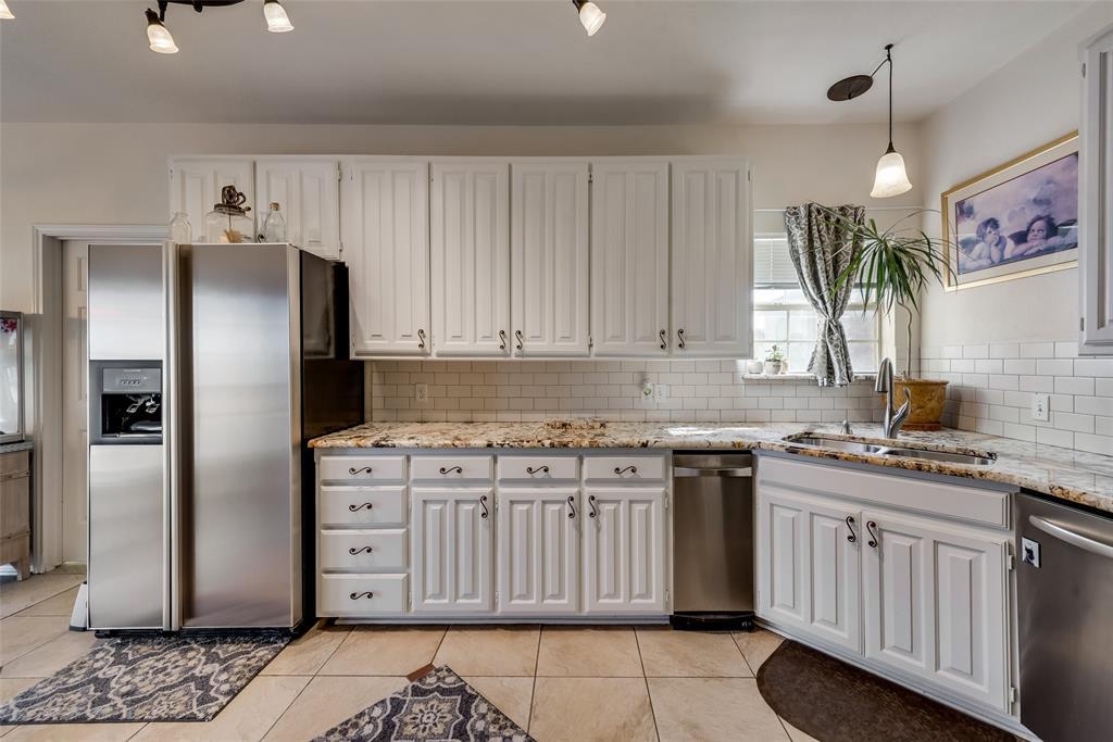 1506 Canterbury Court, Grand Prairie, Texas 75050 - acquisto real estate best new home sales realtor linda miller executor real estate