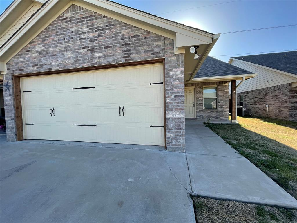 3123 Weave Court, Granbury, Texas 76049 - Acquisto Real Estate best plano realtor mike Shepherd home owners association expert
