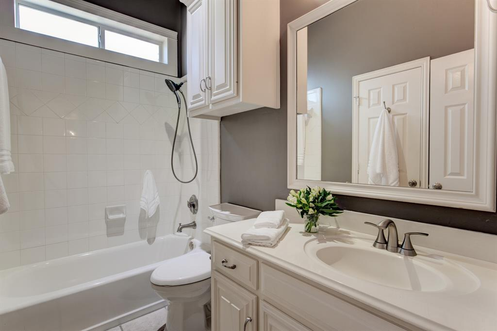 4700 Village Oak Drive, Arlington, Texas 76017 - acquisto real estate best looking realtor in america shana acquisto