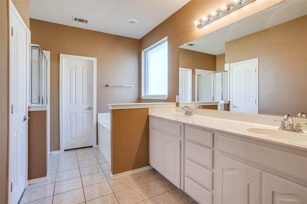 528 Winbridge Lane, Fort Worth, Texas 76052 - acquisto real estate best photos for luxury listings amy gasperini quick sale real estate