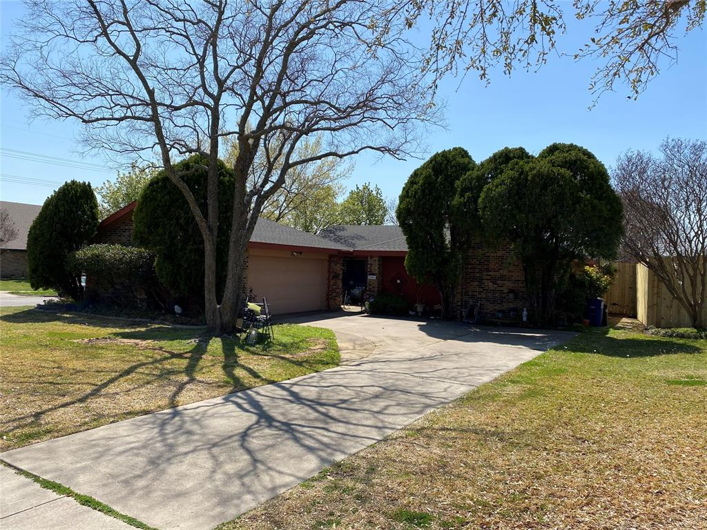 2401 Thistle Court, Euless, Texas 76039 - Acquisto Real Estate best plano realtor mike Shepherd home owners association expert