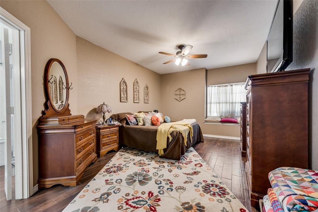1506 Canterbury Court, Grand Prairie, Texas 75050 - acquisto real estate best photos for luxury listings amy gasperini quick sale real estate