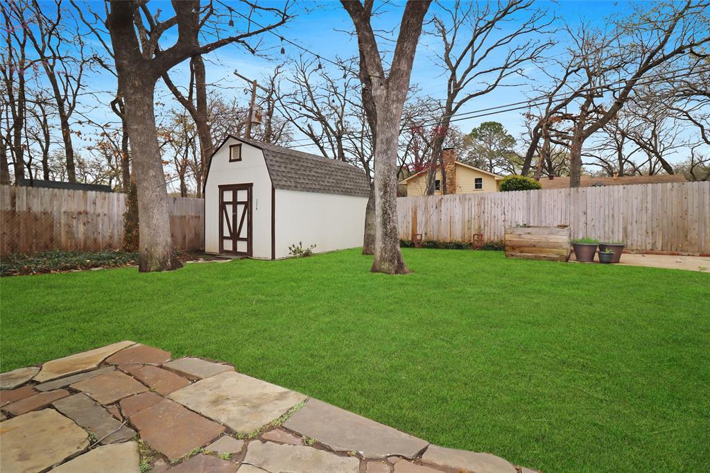 3406 Lynnwood Court, Arlington, Texas 76013 - acquisto real estate best looking realtor in america shana acquisto