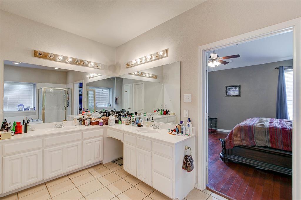1332 Lyra Lane, Arlington, Texas 76013 - acquisto real estate best new home sales realtor linda miller executor real estate