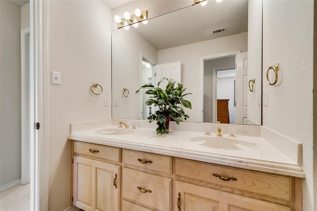 810 Turnberry Drive, Mansfield, Texas 76063 - acquisto real estate best frisco real estate agent amy gasperini panther creek realtor