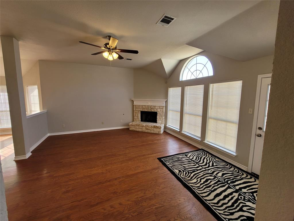 12 Bryan Court, Mansfield, Texas 76063 - acquisto real estate mvp award real estate logan lawrence