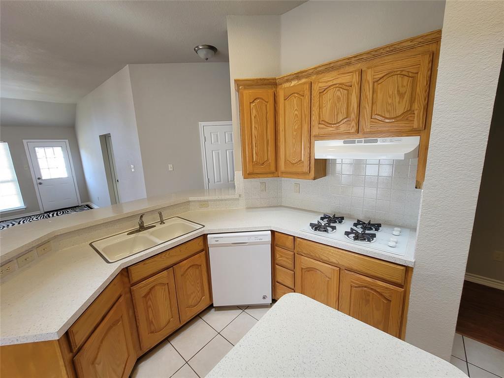 12 Bryan Court, Mansfield, Texas 76063 - acquisto real estate best park cities realtor kim miller best staging agent