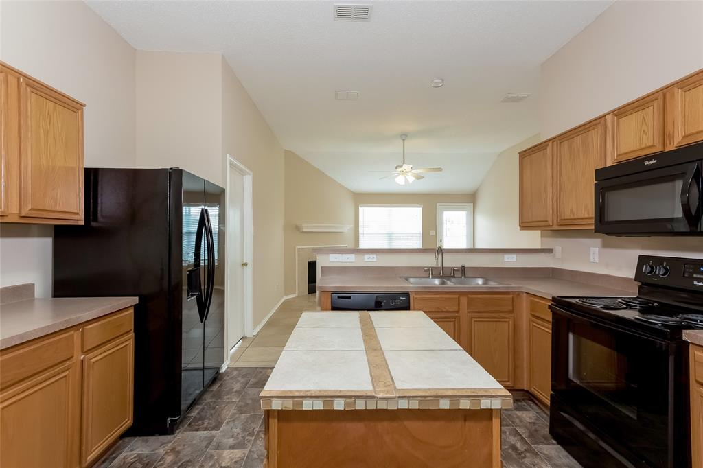 800 Sierra  Circle, Burleson, Texas 76028 - acquisto real estate best the colony realtor linda miller the bridges real estate
