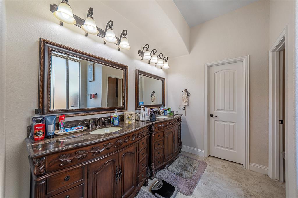 4021 Roxbury Street, Denton, Texas 76210 - acquisto real estate best designer and realtor hannah ewing kind realtor