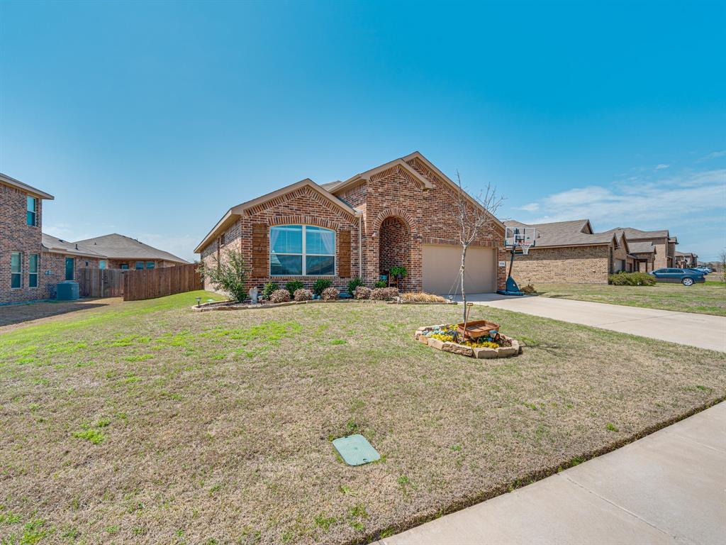 1725 Cross Creek Lane, Cleburne, Texas 76033 - acquisto real estate best the colony realtor linda miller the bridges real estate