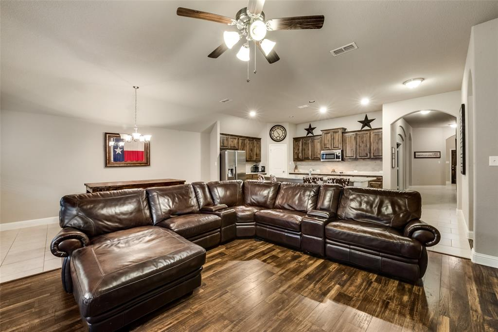9704 Mullins Crossing Drive, Fort Worth, Texas 76126 - acquisto real estate best real estate company to work for