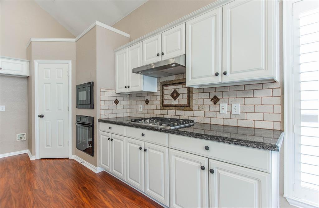 529 Salisbury Drive, Grand Prairie, Texas 75052 - acquisto real estate best listing agent in the nation shana acquisto estate realtor