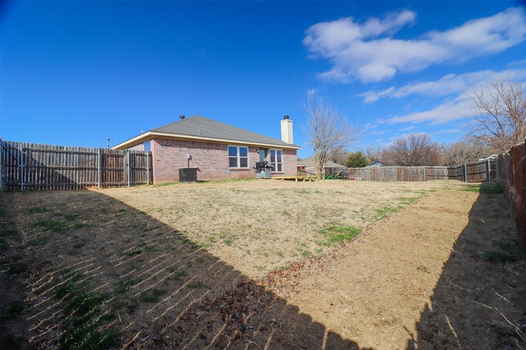 334 Beaumont Drive, Weatherford, Texas 76086 - acquisto real estate best negotiating realtor linda miller declutter realtor