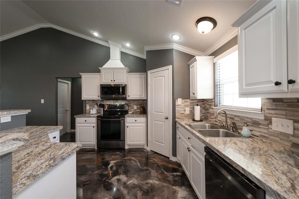 273 Mountain Pass  Drive, Bowie, Texas 76230 - acquisto real estate best allen realtor kim miller hunters creek expert