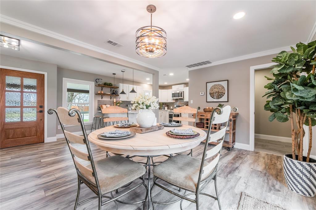 1209 Pine Street, Grapevine, Texas 76051 - acquisto real estate best designer and realtor hannah ewing kind realtor