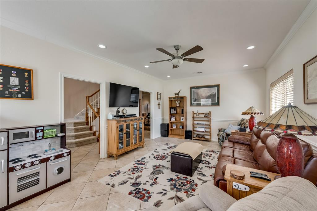 1506 Canterbury Court, Grand Prairie, Texas 75050 - acquisto real estate best real estate company to work for