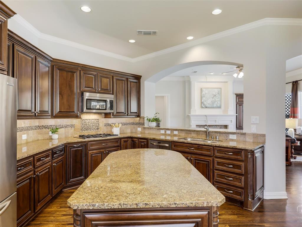 5358 Moss Glen Drive, Frisco, Texas 75034 - acquisto real estate best investor home specialist mike shepherd relocation expert