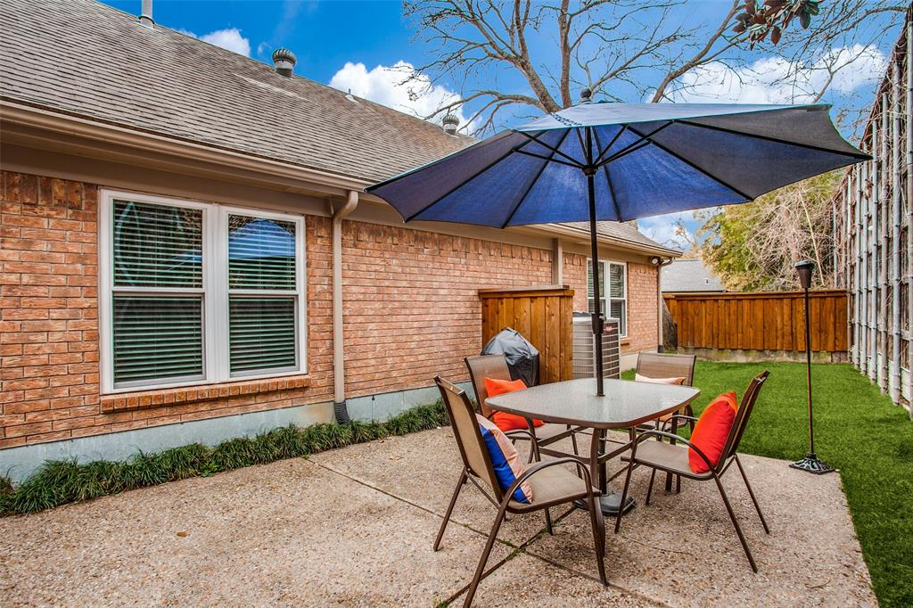 2862 Lawtherwood Place, Dallas, Texas 75214 - acquisto real estate best realtor foreclosure real estate mike shepeherd walnut grove realtor