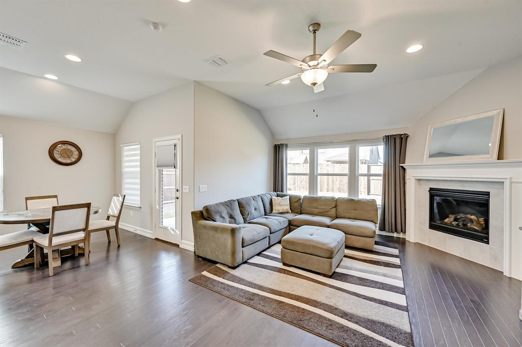 3200 Paxon Drive, Mansfield, Texas 76084 - acquisto real estate best realtor foreclosure real estate mike shepeherd walnut grove realtor