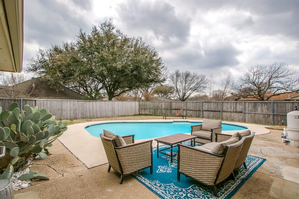 822 Century Park Drive, Garland, Texas 75040 - acquisto real estate best park cities realtor kim miller best staging agent