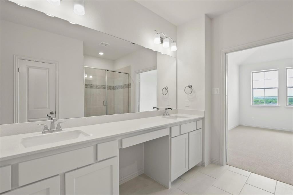 4723 Smokey Quartz Lane, Arlington, Texas 76005 - acquisto real estate best designer and realtor hannah ewing kind realtor