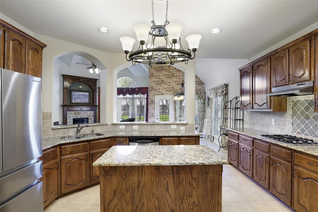 711 Montclaire Drive, Mansfield, Texas 76063 - acquisto real estate best flower mound realtor jody daley lake highalands agent of the year