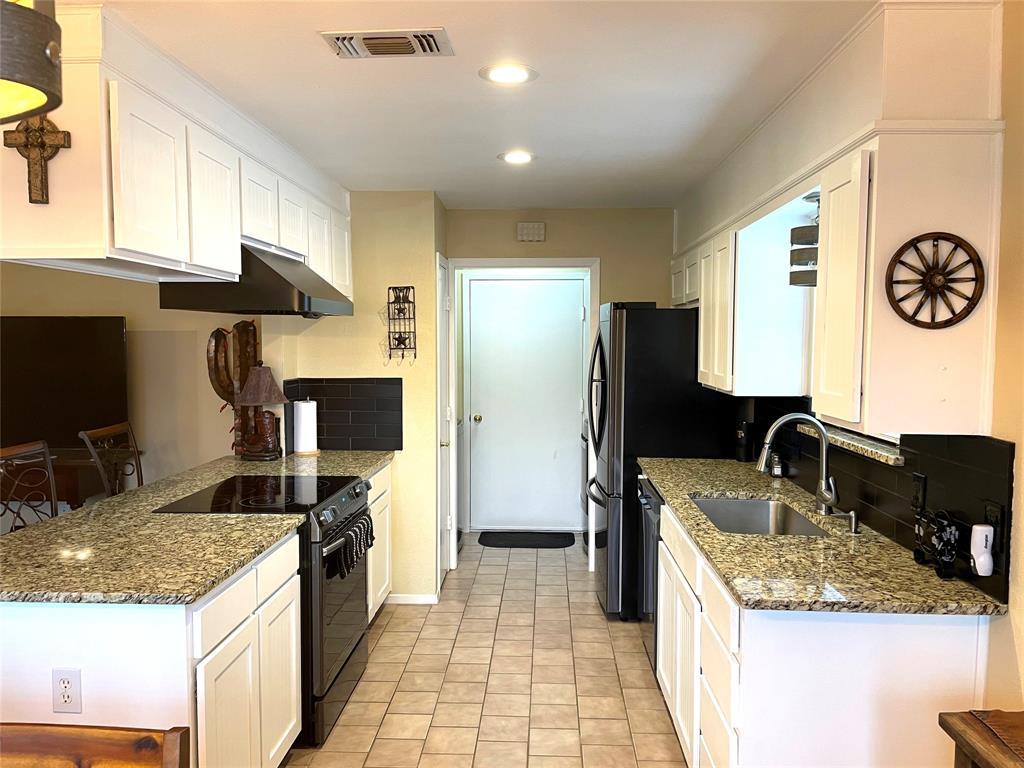 9657 Lea Shore Street, Fort Worth, Texas 76179 - acquisto real estate best celina realtor logan lawrence best dressed realtor