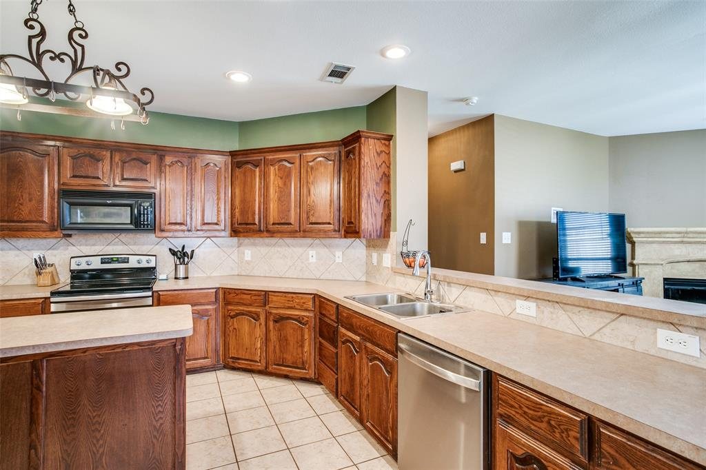 528 Winbridge Lane, Fort Worth, Texas 76052 - acquisto real estate best real estate company to work for