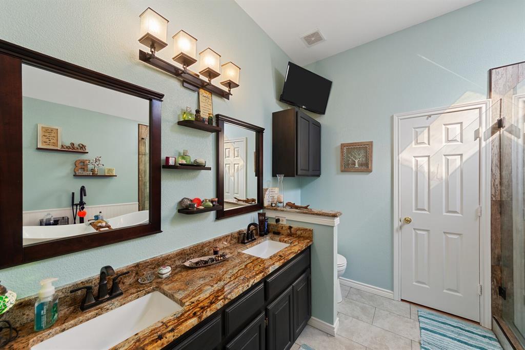1352 Marken  Court, Carrollton, Texas 75007 - acquisto real estate best designer and realtor hannah ewing kind realtor