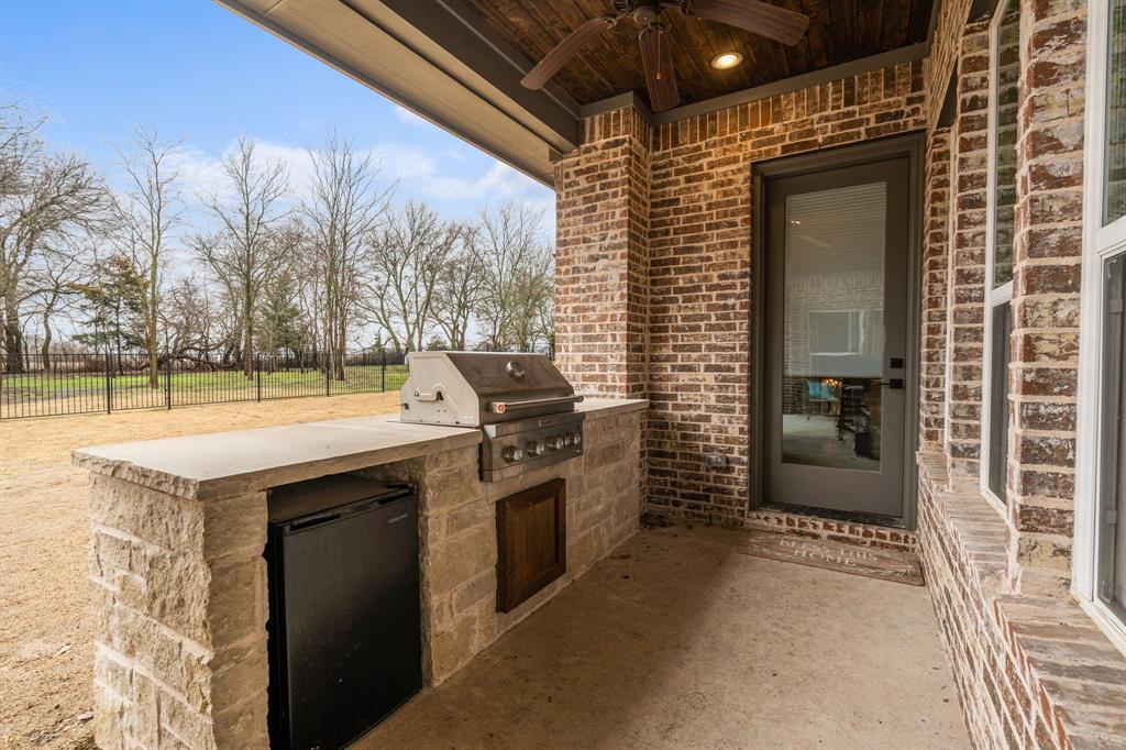 4482 Lake Breeze Drive, McKinney, Texas 75071 - acquisto real estate best plano real estate agent mike shepherd