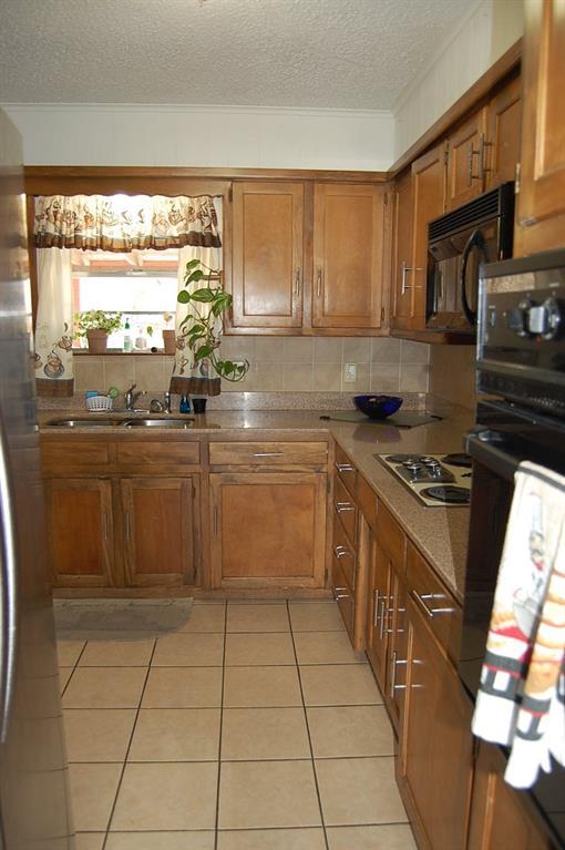 1211 Cindy Lane, Cleburne, Texas 76033 - acquisto real estate best highland park realtor amy gasperini fast real estate service