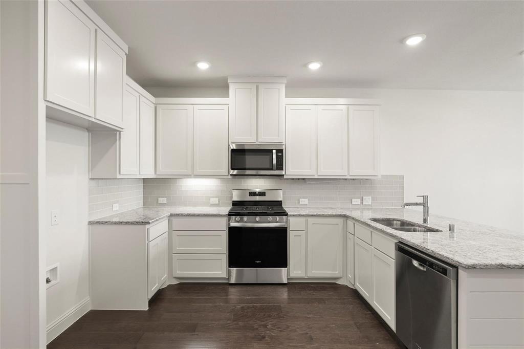 4723 Smokey Quartz Lane, Arlington, Texas 76005 - acquisto real estate best celina realtor logan lawrence best dressed realtor