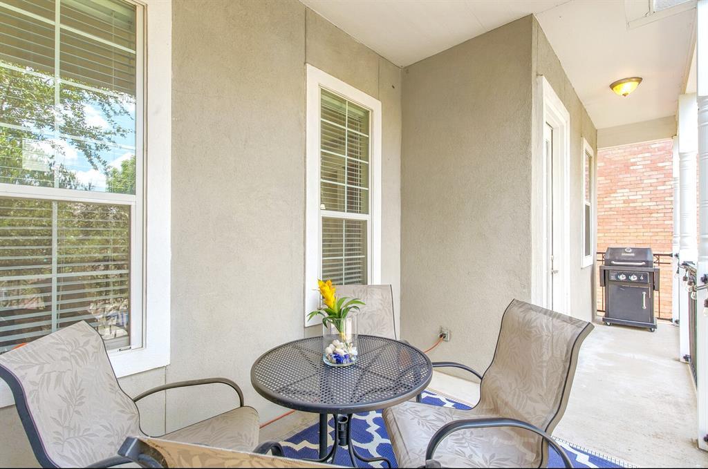 5800 La Vista Drive, Dallas, Texas 75206 - acquisto real estate best frisco real estate agent amy gasperini panther creek realtor