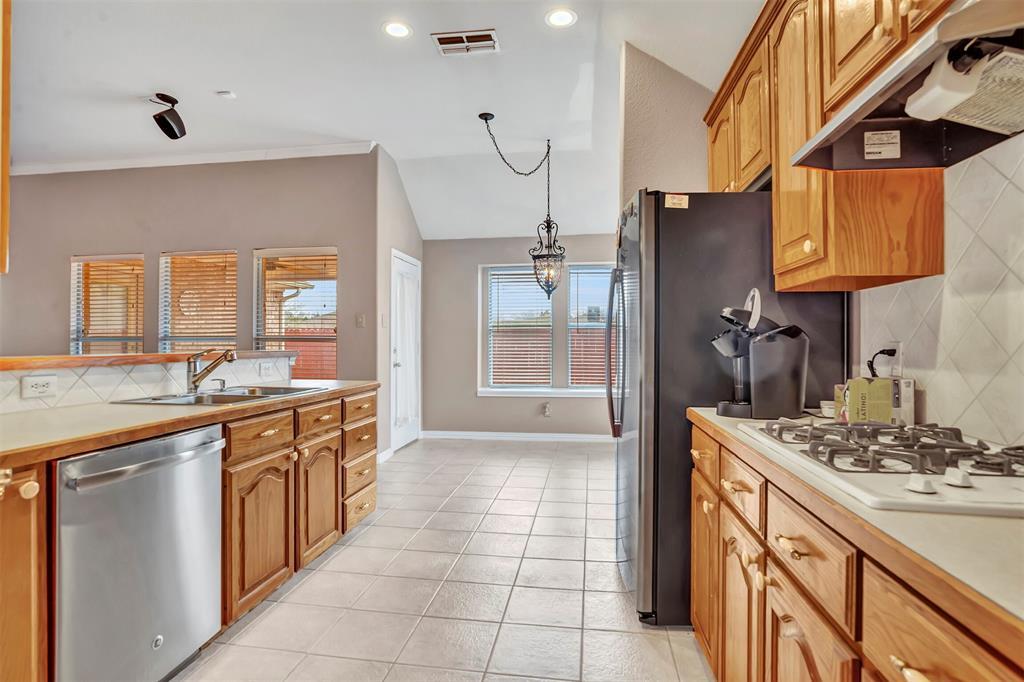 1811 Swaim Court, Arlington, Texas 76001 - acquisto real estate best listing agent in the nation shana acquisto estate realtor