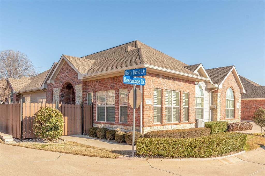 3320 Rosemeade Drive, Fort Worth, Texas 76116 - Acquisto Real Estate best plano realtor mike Shepherd home owners association expert