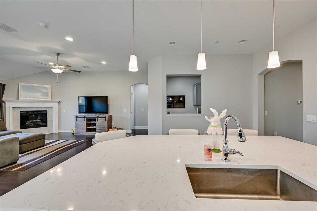 3200 Paxon Drive, Mansfield, Texas 76084 - acquisto real estaet best boutique real estate firm in texas for high net worth sellers