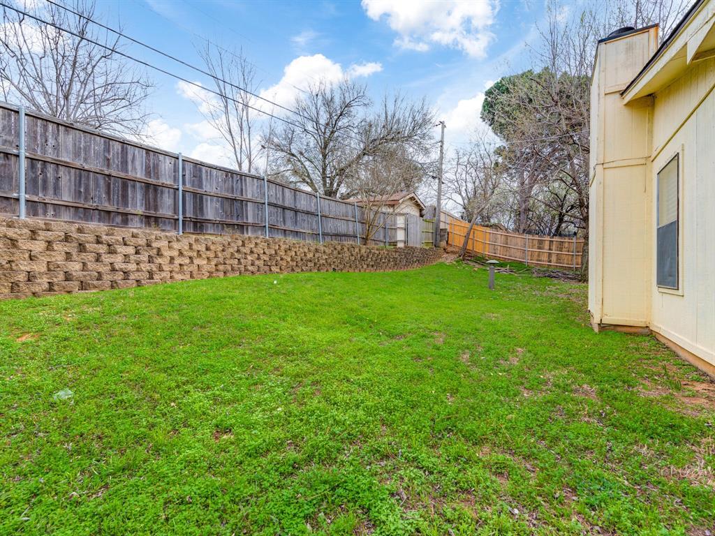 2507 Hilldale Boulevard, Arlington, Texas 76016 - acquisto real estate best looking realtor in america shana acquisto