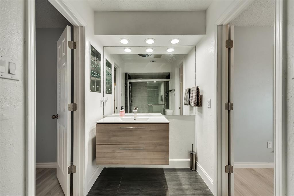 305 Stony Creek Drive, DeSoto, Texas 75115 - acquisto real estate best photos for luxury listings amy gasperini quick sale real estate